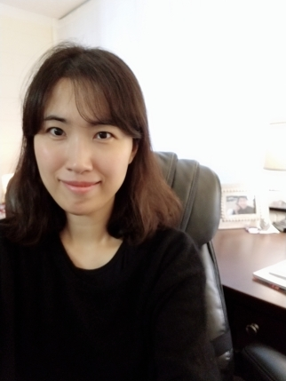 Eun Young Yeom studies how English multicultural picture books can improve secondary EFL/ESL students' visual literacy.